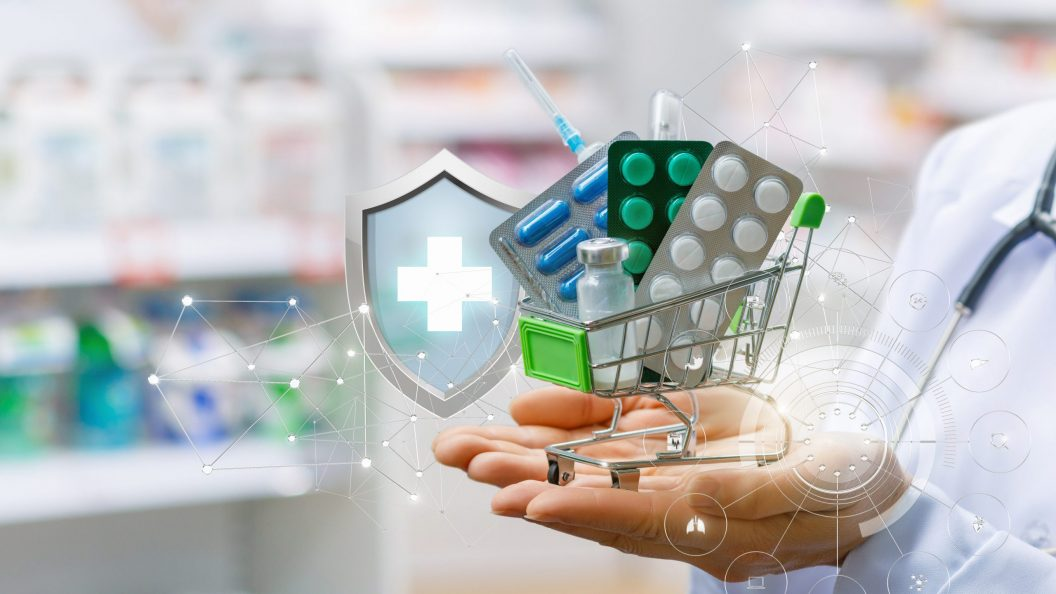 iSectra HBasket of drugs in the hands of the pharmacist.